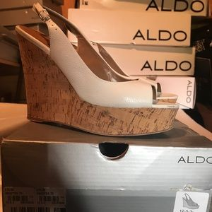 "Aldo ""Vandyka"" wedge - white"